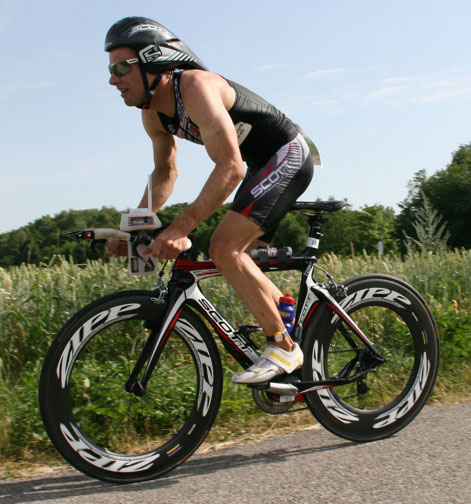 Vitargo Sportler Stefan Schmid erfolgreich beim Triathlon in Karlsfeld