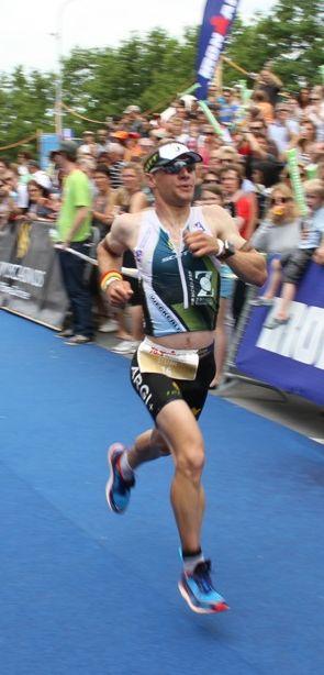 Vitargo Sportler Stefan Schmid beim Ironman 70.3 in der Schweiz