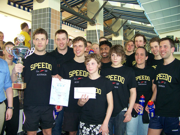 Mit 18 Schwimmern und Vitargo zum Meetingrekord von 70,850 km!
