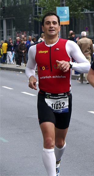 JÄrg Panter mit 2:54 beim Frankfurt Marathon - Glückwunsch und Danke!