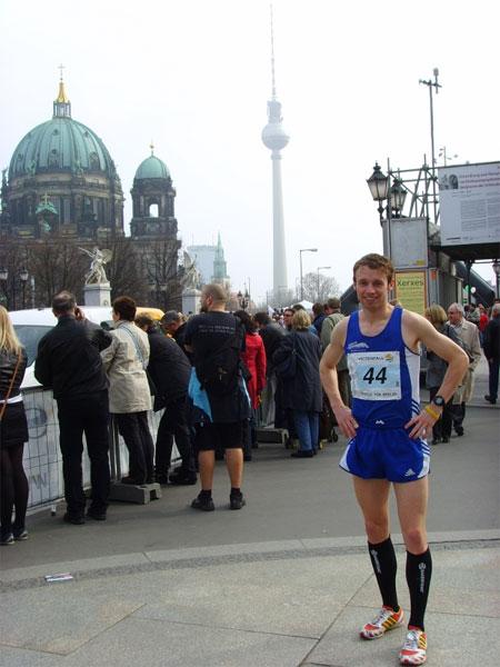 Marc Schulze vom Team RunningPower erfolgreich beim Berliner Halbmarathon 2009!